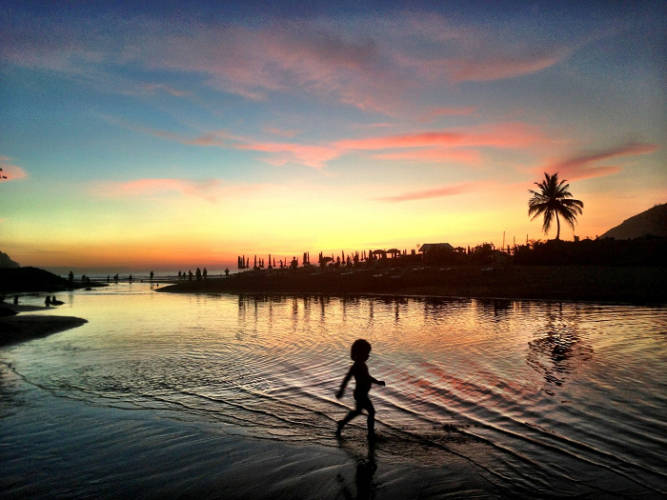 В тайланде запрещено на пляж сексом занимаешься